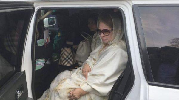 খালেদা জিয়াকে হাসপাতালে নেয়া হয়নি, গণমাধ্যমকর্মীদের ভিড়