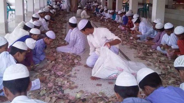 কিশোরগঞ্জে পাগলা মসজিদের দান বাক্সে এবার পাওয়া গেছে ৮৮ লাখ টাকা