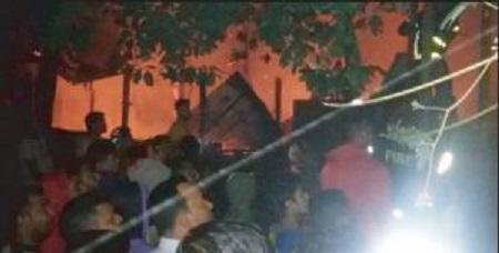 হবিগঞ্জে অগ্নিকান্ডে ১০ ঘর পুড়ে ছাই: কোটি টাকার ক্ষয়-ক্ষতি