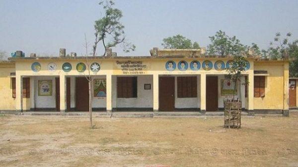 প্রধান শিক্ষক ছাড়াই চলছে নীলফামারীর ২৭৪টি স্কুল