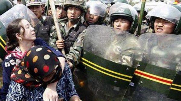 চীনে মুসলিমদের জোর করে ধর্মান্তরিত করার বৈধতা দিলো সরকার